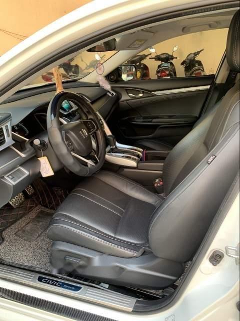 Bán ô tô Honda Civic đời 2017, màu trắng, nhập khẩu nguyên chiếc, 865tr-3
