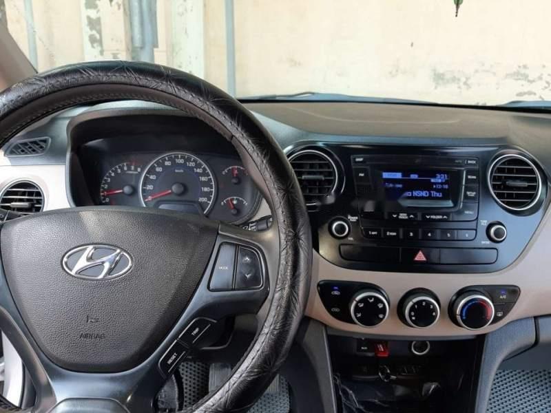 Cần bán lại xe Hyundai Grand i10 đời 2015, màu bạc, nhập khẩu nguyên chiếc như mới-3