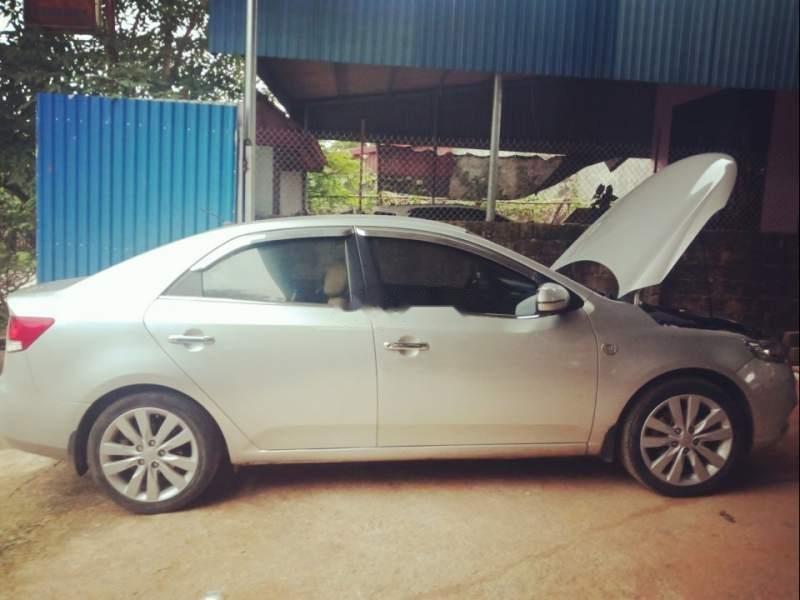Bán xe Kia Forte 2011, màu bạc như mới, 340tr-0