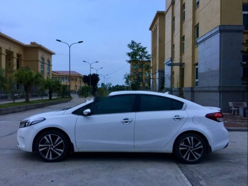 Cần bán lại xe Kia Cerato sản xuất năm 2017, màu trắng chính chủ-1