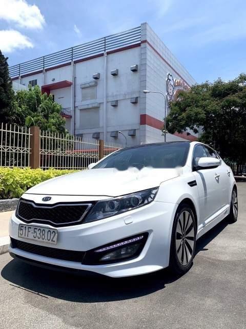 Cần bán xe Kia K5 năm sản xuất 2012, màu trắng, xe nhập, 579 triệu-1