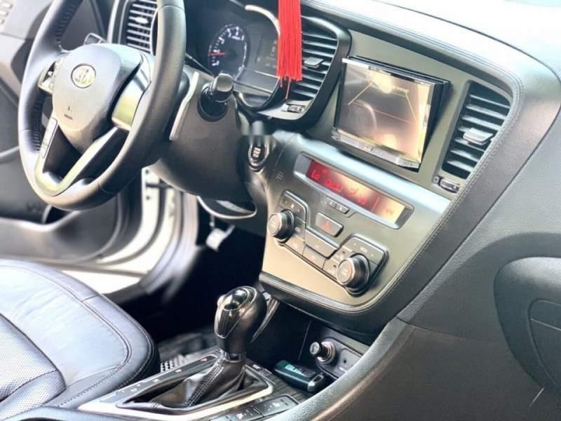 Cần bán xe Kia K5 năm sản xuất 2012, màu trắng, xe nhập, 579 triệu-3