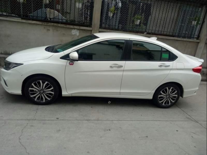Bán xe Honda City năm sản xuất 2018, màu trắng còn mới-3