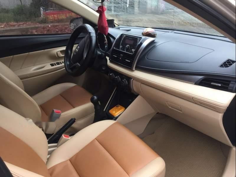 Bán xe Toyota Vios năm sản xuất 2014, màu vàng, giá tốt-3