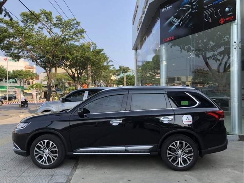 Bán xe Mitsubishi Outlander 2019, màu đen, giá tốt-1