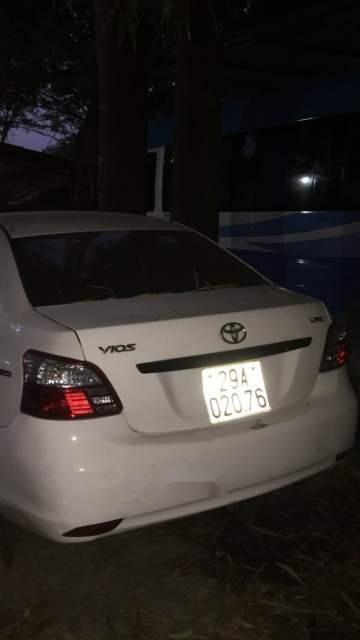 Bán Toyota Vios năm 2010, màu trắng-2