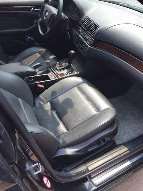 Cần bán xe BMW 3 Series 318i đời 2005, màu đen như mới (5)
