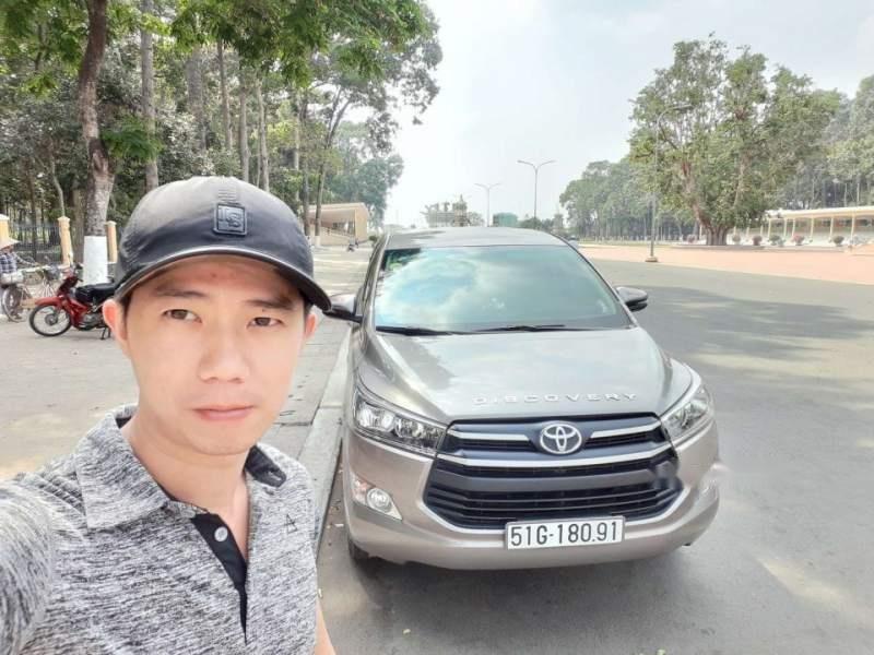 Bán Toyota Innova 2.0E đời 2018, màu bạc, 700tr-0
