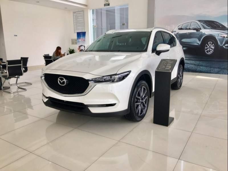 Bán xe Mazda CX 5 2.5 2018, màu trắng, giá 934tr-0