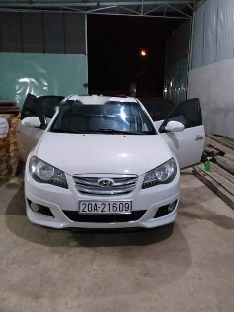 Bán Hyundai Avante đời 2011, màu trắng, đã đi 97.000 km (4)
