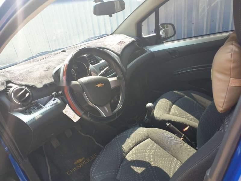 Bán xe Chevrolet Spark MT 2017, màu xanh lam như mới-4
