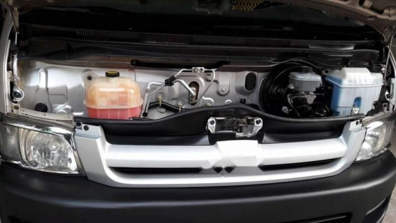 Bán xe Toyota Hiace sản xuất 2006, màu bạc chính chủ, 15 chỗ-2