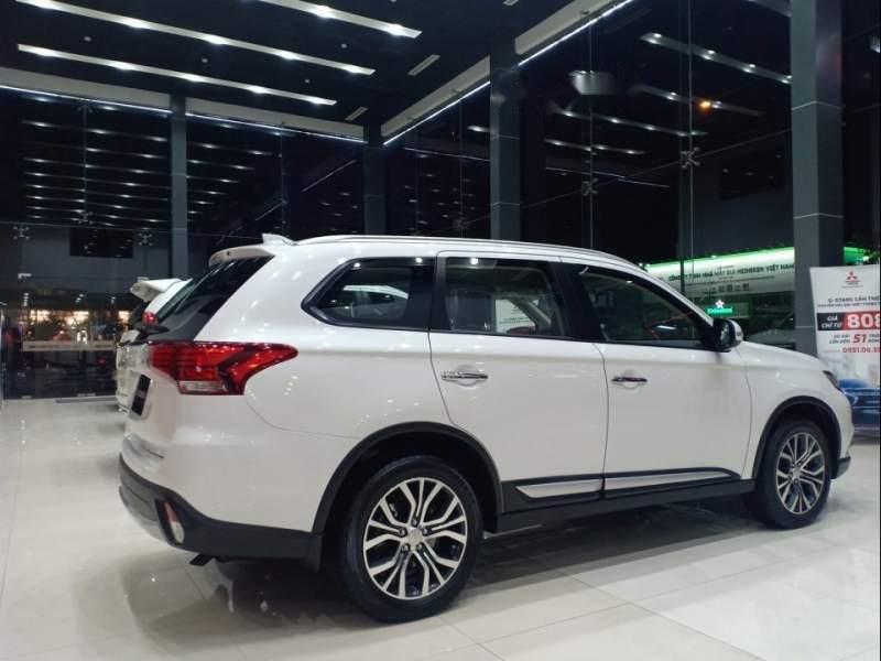 Bán xe Mitsubishi Outlander đời 2019, màu trắng-1