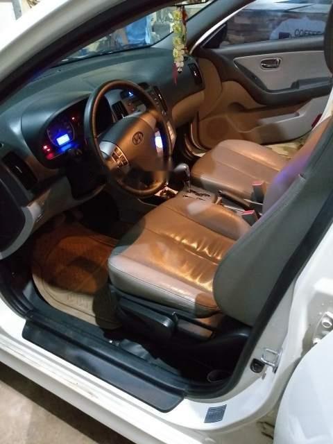 Bán Hyundai Avante đời 2011, màu trắng, đã đi 97.000 km-5