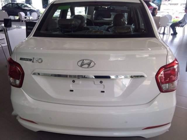 Bán xe Hyundai Grand i10 năm 2019, màu trắng, 390 triệu-3