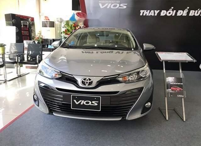 Bán xe Toyota Vios năm sản xuất 2019, màu bạc-0