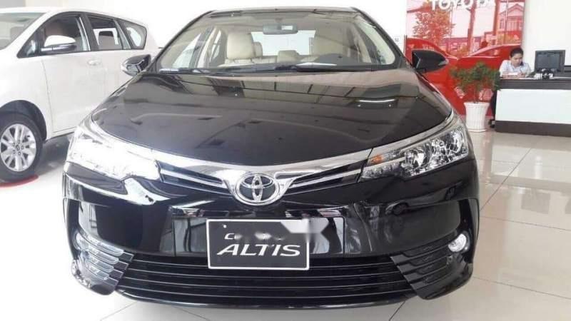 Bán xe Toyota Corolla altis năm 2019, màu đen-0