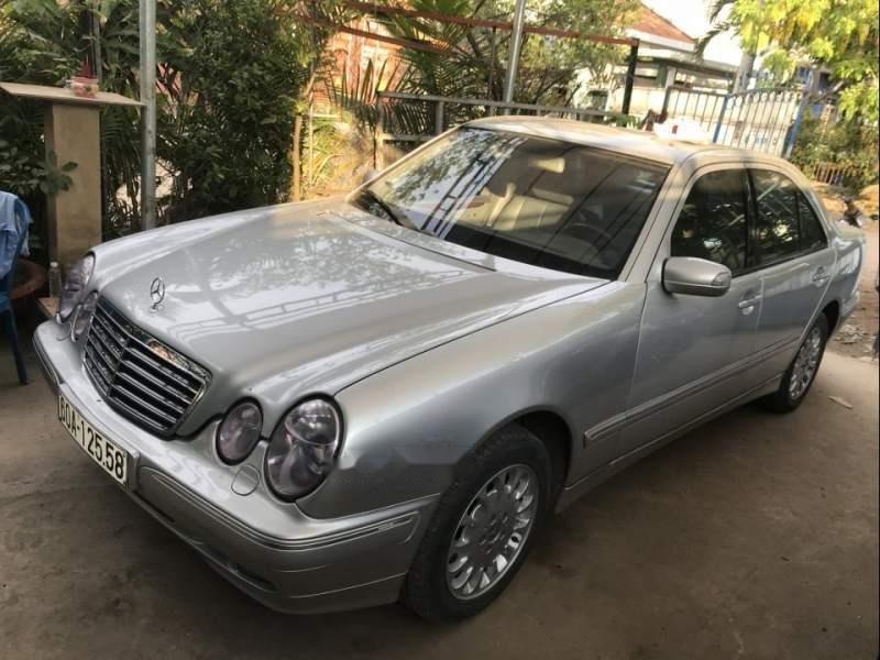 Bán Mercedes E240 2001, màu bạc, nhập khẩu  (1)