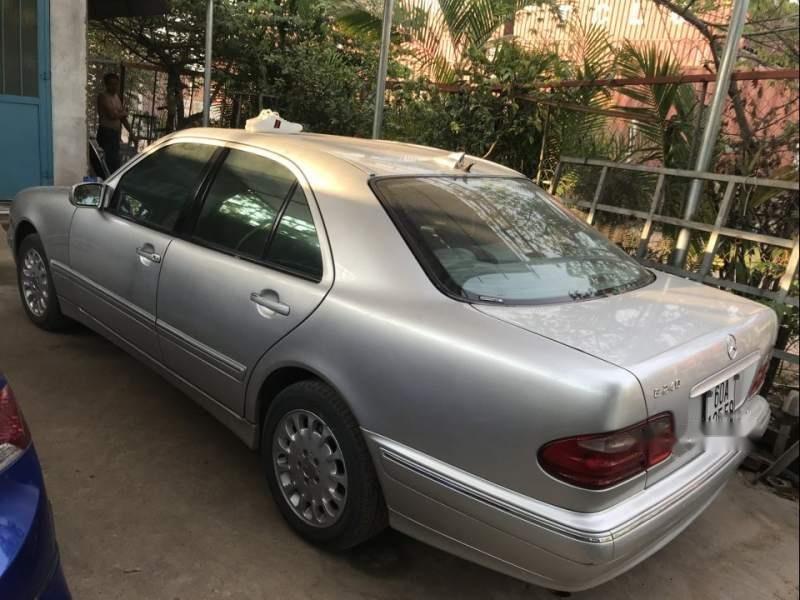 Bán Mercedes E240 2001, màu bạc, nhập khẩu  (4)