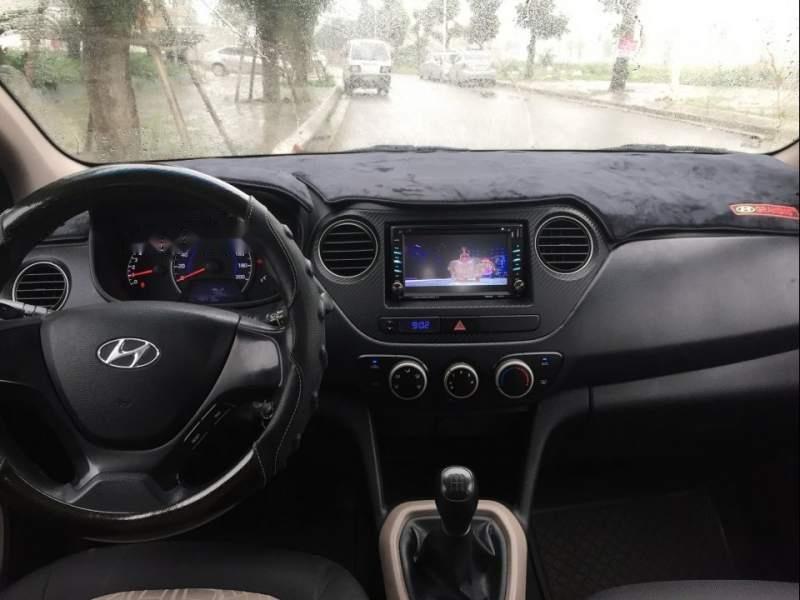 Bán gấp Hyundai Grand i10 năm sản xuất 2015, màu bạc -4
