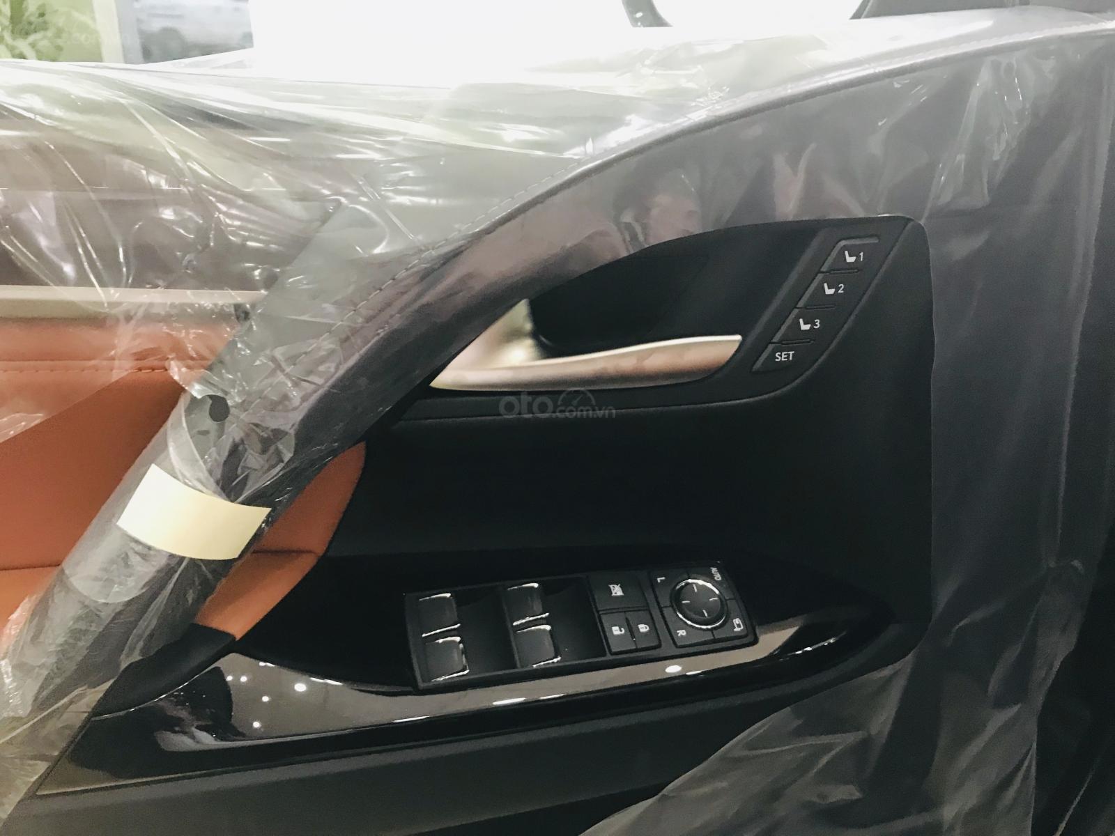 Bán Lexus LX570 Super Sport màu đen, sản xuất 2019, xe giao ngay, giá tốt - LH: 0906223838 (9)