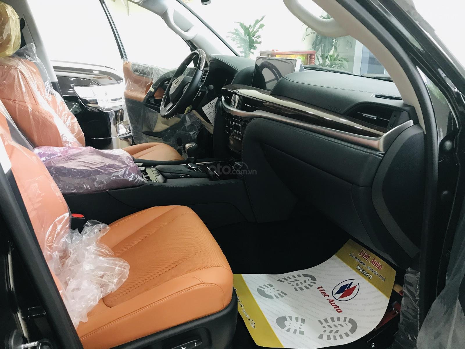 Bán Lexus LX570 Super Sport màu đen, sản xuất 2019, xe giao ngay, giá tốt - LH: 0906223838 (13)
