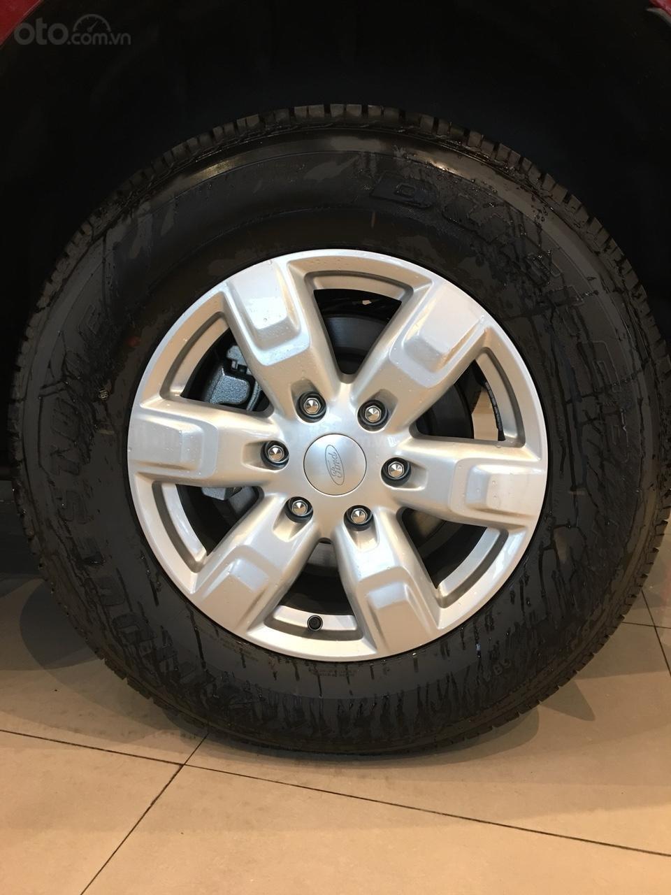 Bán xe Ford Everest  Ambiente MT năm sản xuất 2019, màu đỏ, xe nhập, giá 960tr (4)