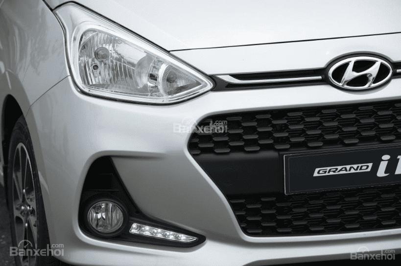 So sánh Hyundai Grand i10 2019 và Mitsubishi Attrage 2019 về đầu xe 7