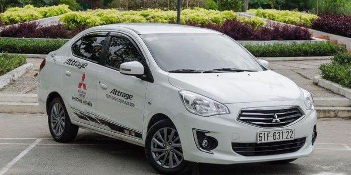 So sánh Hyundai Grand i10 2019 và Mitsubishi Attrage 2019 về đầu xe.