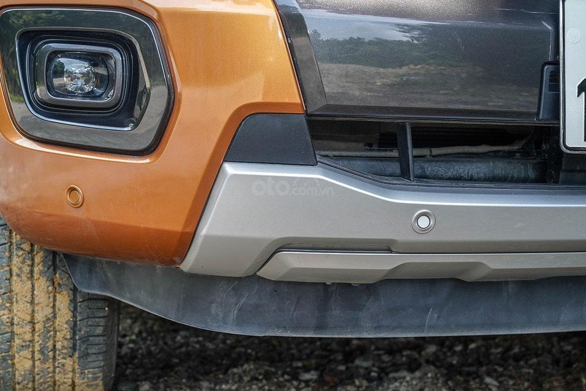 Đầu xe Ford Ranger Wildtrak 4x4 2019: Cản dưới.