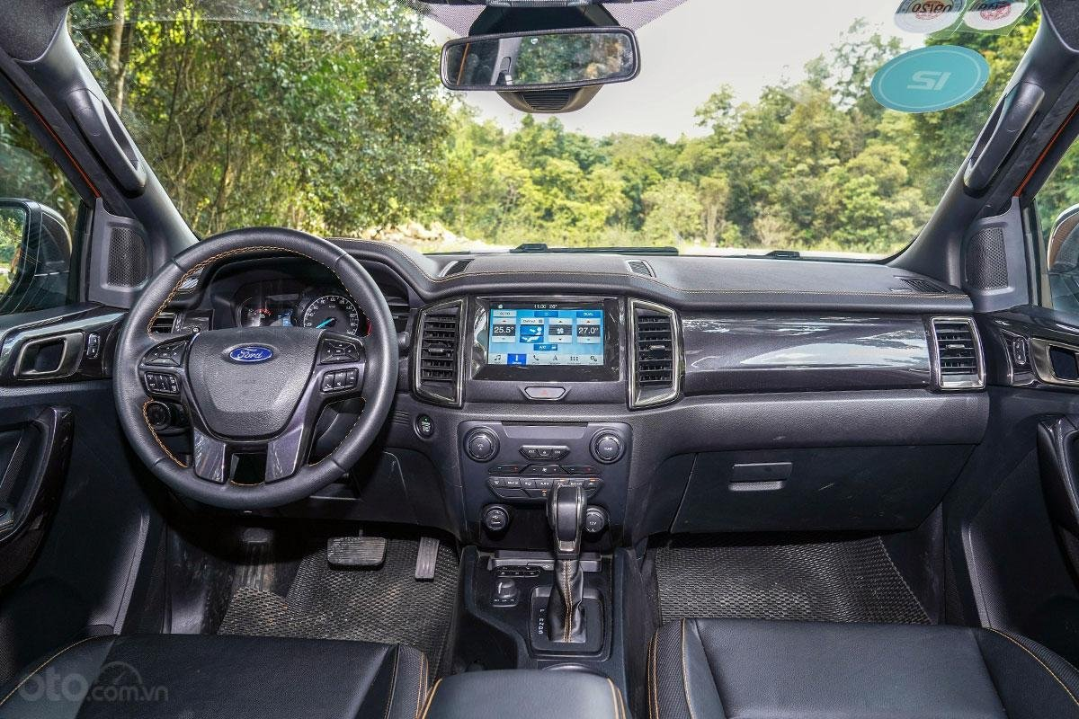 Nội thất xe Ford Ranger Wildtrak 4x4 2019.