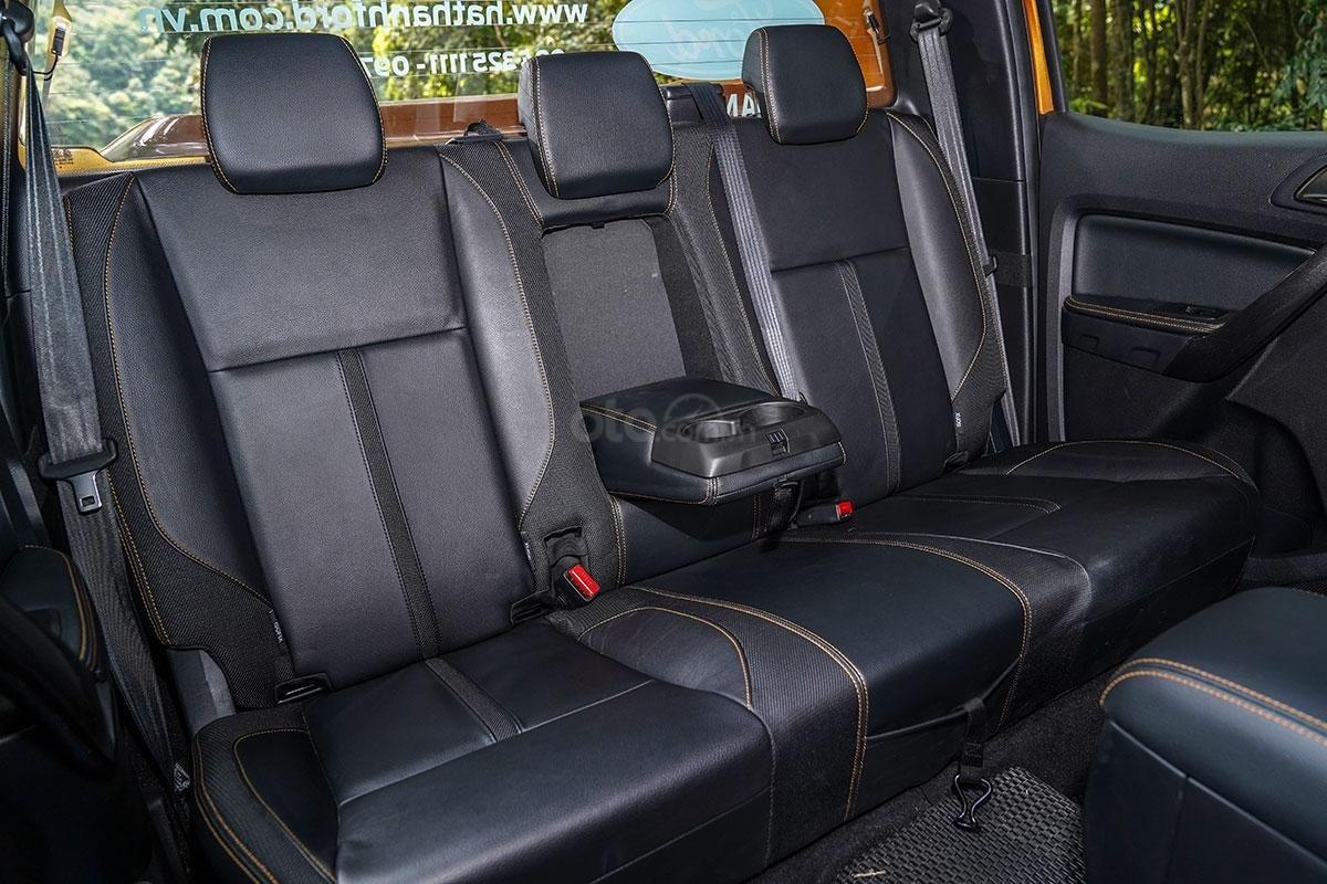 Nội thất Ford Ranger Wildtrak 4x4 2019: hàng ghế sau 3.