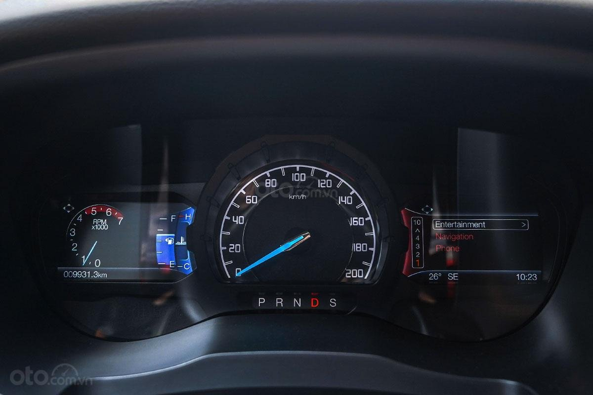 Nội thất Ford Ranger Wildtrak 4x4 2019: Bảng đồng hồ.