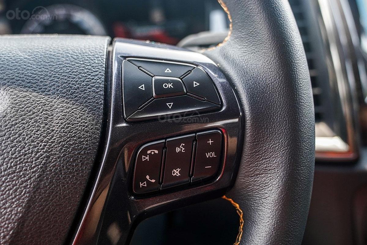 Nội thất Ford Ranger Wildtrak 4x4 2019: Kết nối điện thoại rảnh tay.