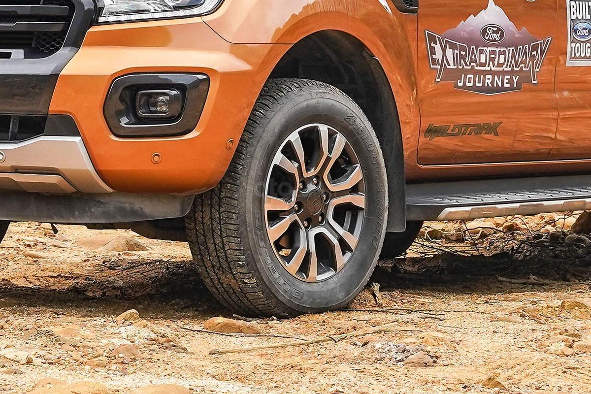 Thân xe Ford Ranger Wildtrak 4x4 2019: La-zăng.