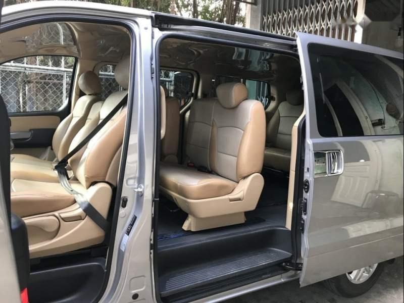 Bán ô tô Hyundai Grand Starex đời 2016, màu bạc, nhập khẩu nguyên chiếc số sàn-3
