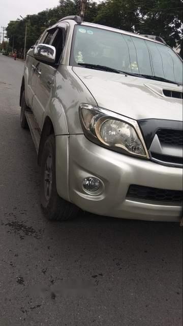 Bán Toyota Hilux G sản xuất năm 2010, màu bạc, xe nhập, 330 triệu-2