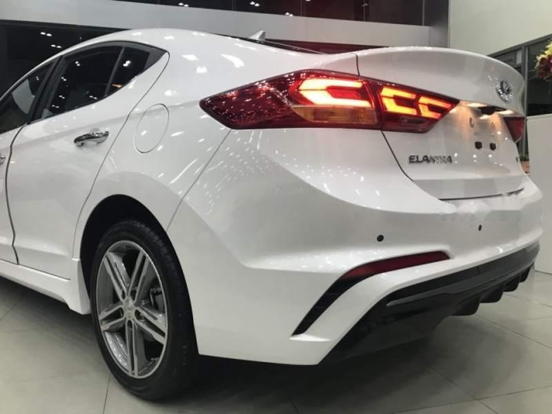 Bán xe Hyundai Elantra Sport 2019, màu trắng, xe nhập giá cạnh tranh-2