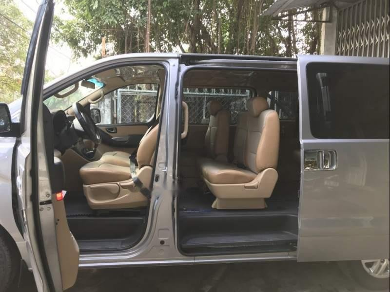 Bán ô tô Hyundai Grand Starex đời 2016, màu bạc, nhập khẩu nguyên chiếc số sàn-4