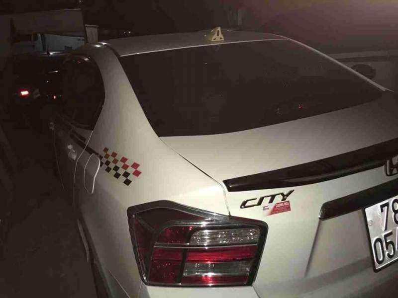 Bán xe Honda City sản xuất năm 2014, màu trắng còn mới, 410tr-4