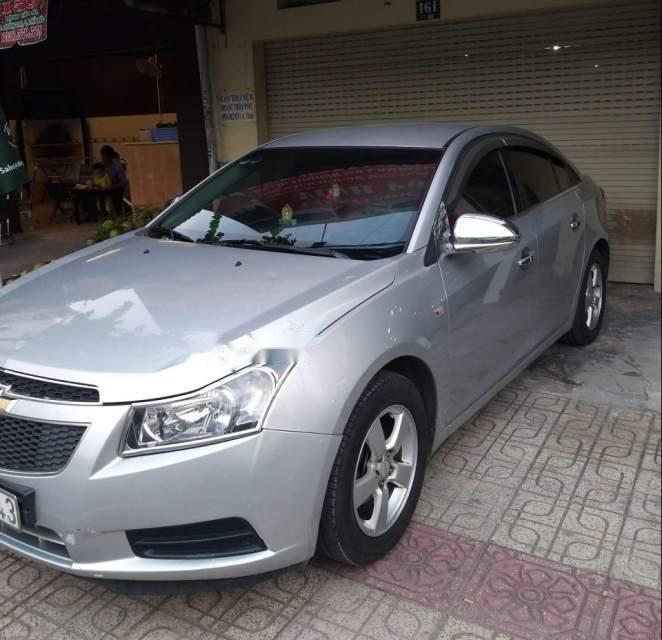 Cần bán lại xe Chevrolet Cruze năm 2012, màu bạc-0