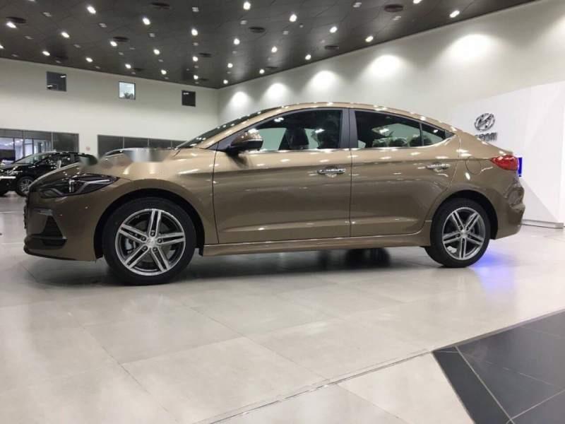 Bán ô tô Hyundai Elantra năm 2019, màu vàng, nhập khẩu nguyên chiếc, giá tốt-0
