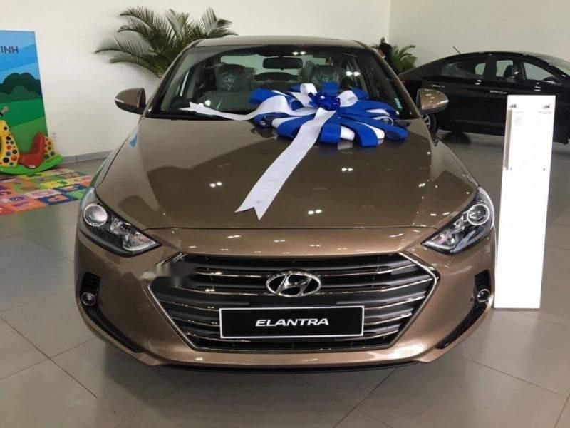 Bán ô tô Hyundai Elantra năm 2019, màu vàng, nhập khẩu nguyên chiếc, giá tốt-1