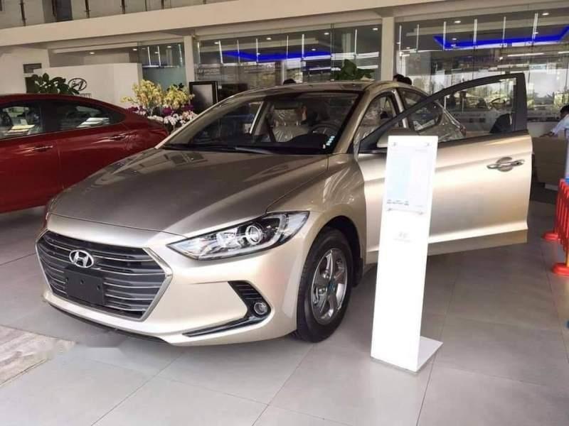 Bán ô tô Hyundai Elantra năm 2019, màu vàng, nhập khẩu nguyên chiếc, giá tốt-2