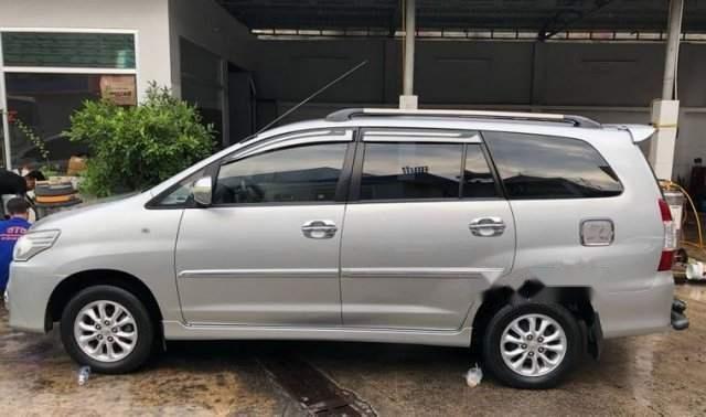 Bán Toyota Innova 2.0G đời 2014, màu bạc, chính chủ -1