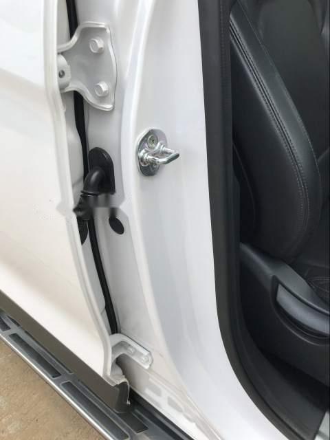 Bán xe Hyundai Santa Fe sản xuất 2015, màu trắng, 885tr-3