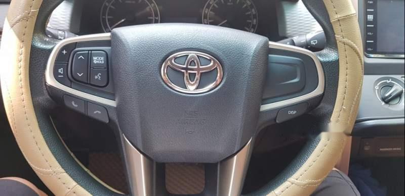 Bán xe Toyota Innova đời 2017, màu bạc, 678tr-0