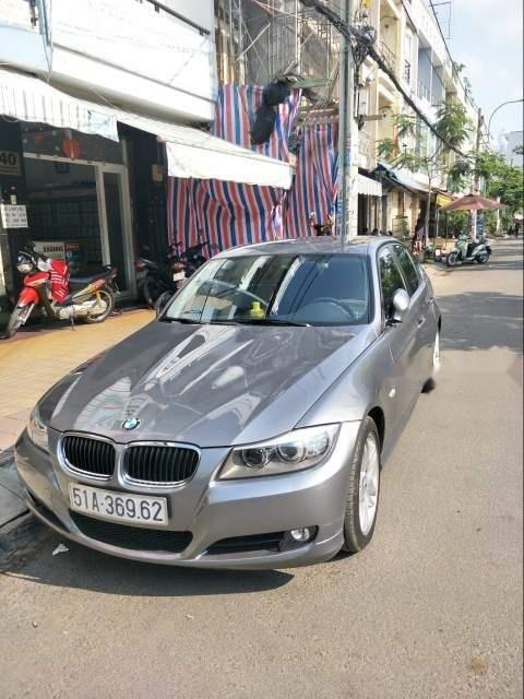 Bán gấp BMW 3 Series năm 2011, màu xám, nhập khẩu -0