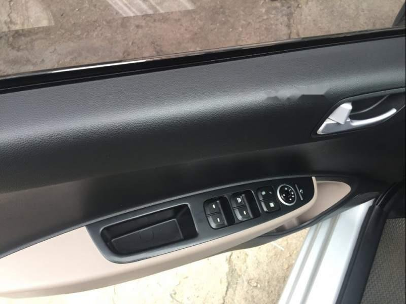 Bán ô tô Hyundai Grand i10 đời 2017, màu bạc, nhập khẩu nguyên chiếc số sàn, giá tốt-5