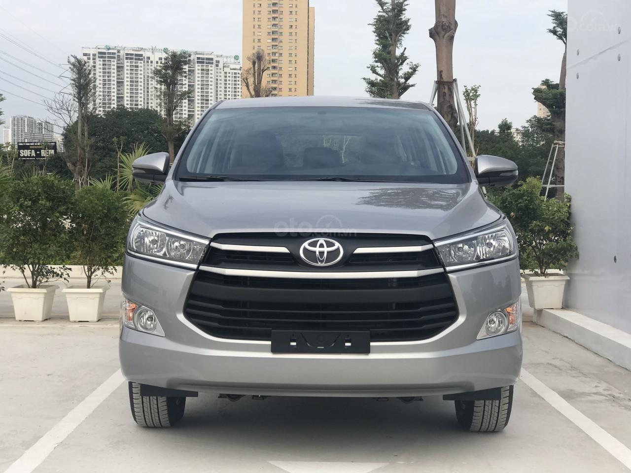 Toyota Innova 2019 số sàn - khuyến mãi lớn, trừ tiền và phụ kiện - Trả góp từ 6tr/tháng. LH 0942.456.838 (1)